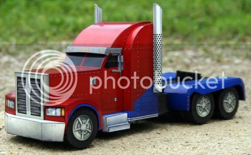 photo trucktransformesheatherpapercraft0001_zpsb9f4996d.jpg