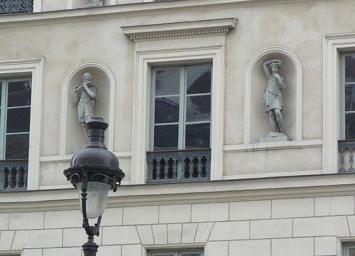 devant le panthéon.jpg