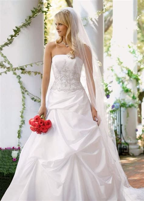New davids bridal wedding dress With Tags Style # V9202 In