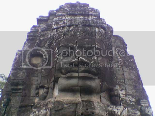 Photo taken from hp: Angkor Thom - Head Statues