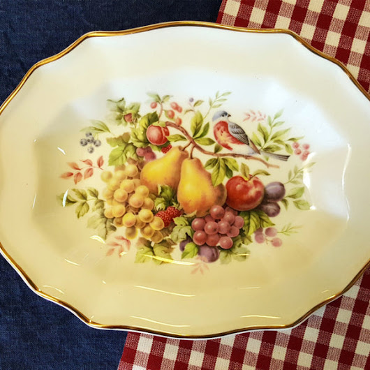 Avon Collectible Decorative Dish c. 1976