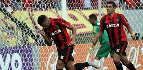 Leão pega a Chape no próximo sábado / Diego Nigro/JC Imagem
