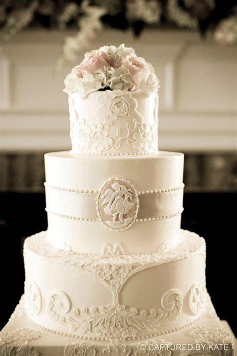 109 best Beige/Ivory/Cream Wedding Cakes images on