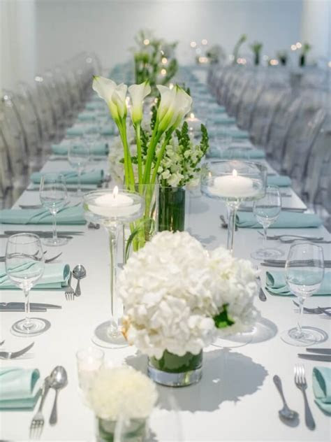 White Wedding Centerpieces   Chez Chicago Wedding Venue