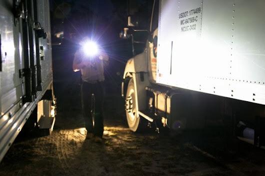 Five Reasons to Always Carry a Flashlight - Factor Equipment
