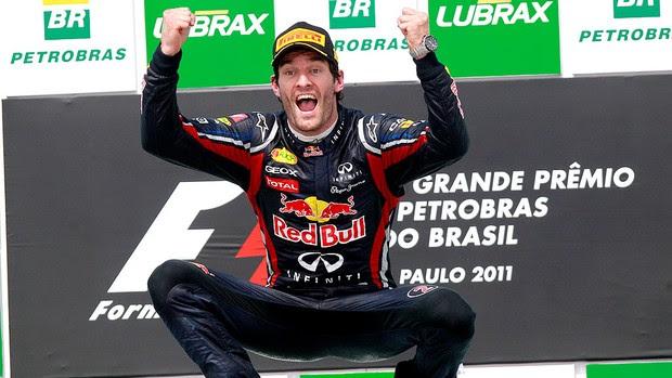 Mark Webber comemora vitória no GP do Brasil (Foto: Reuters)