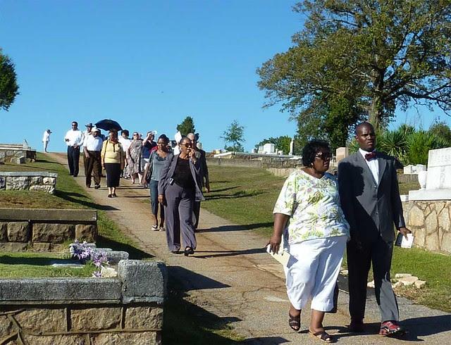 P1000503-2011-09-24-APC-Sacred-Spaces-South-View-Cemetery-Tour-procession-detail