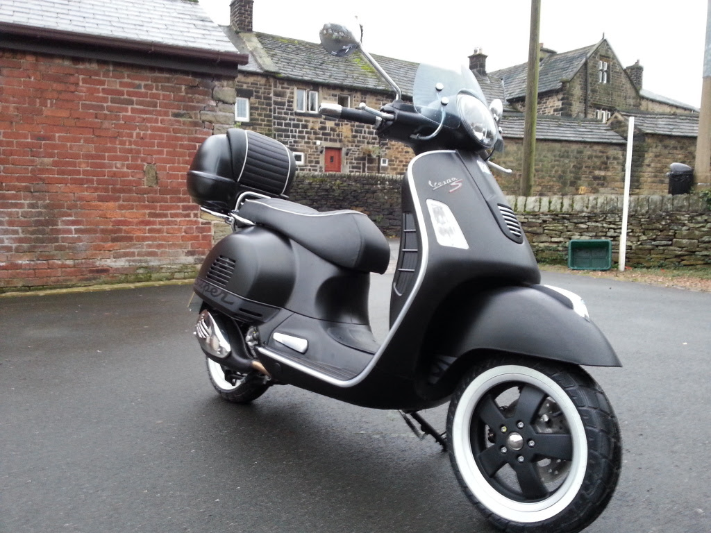 Vespa Gts Super 125 Pics Specs And List Of Seriess By Year