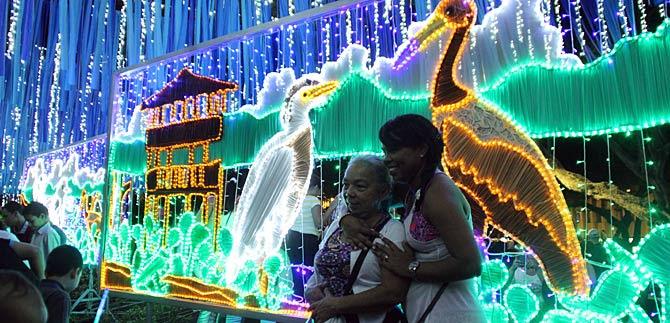 Del cielo llegaron  trinos de color a encender la navidad en el corazón del pueblo caleño