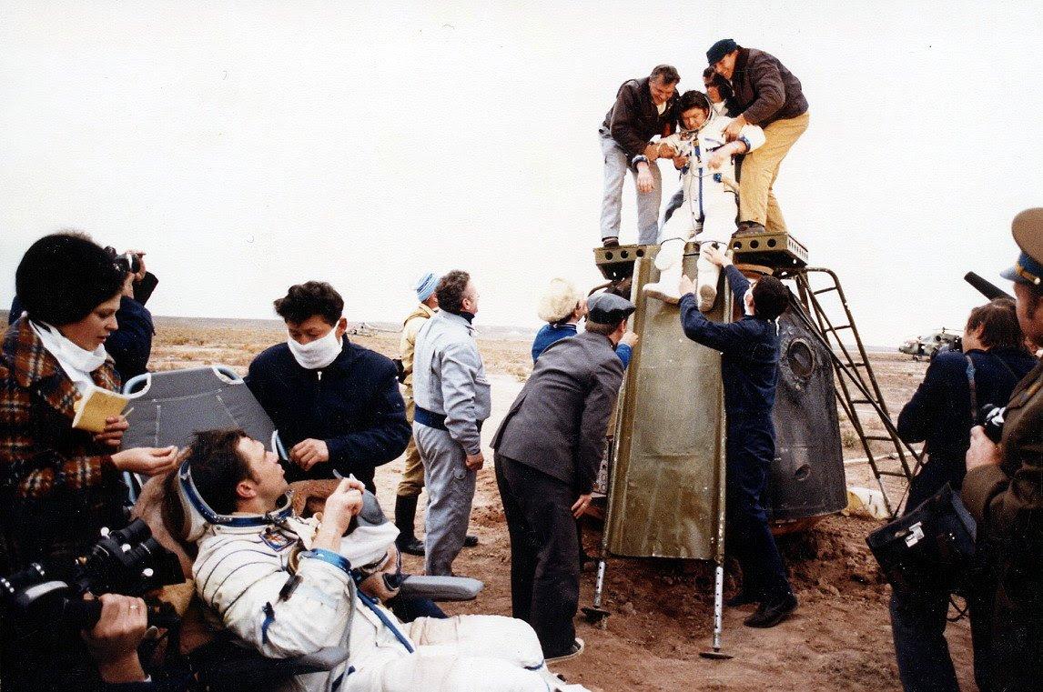 Oct11-1980-Soyuz37landing
