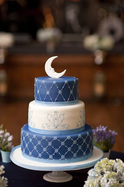 "A Whimsical ""Paper Moon"" Inspired Wedding In Toronto"