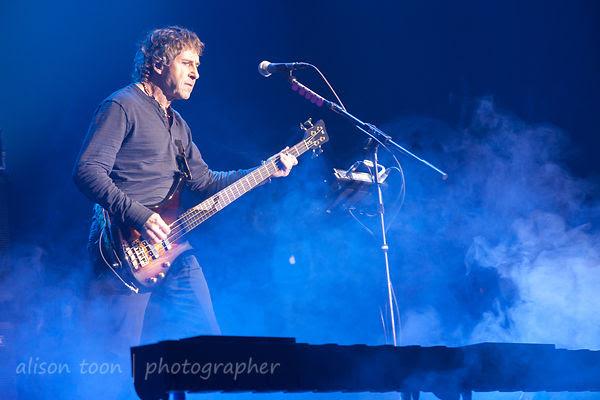 Pete Trewavas, bass, Marillion