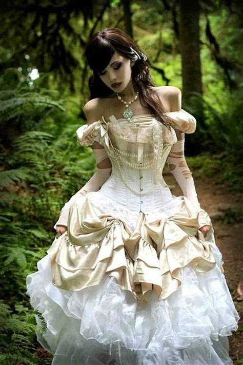 35 Unique Steampunk Wedding Gowns   HappyWedd.com   Non