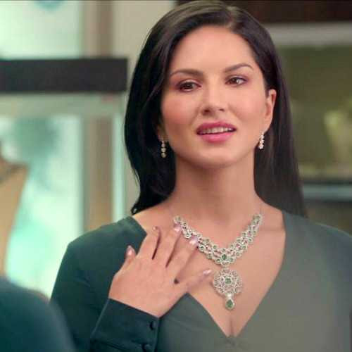 Sunny Leone SHINES bright like a diamond as brand ambassador of Jewelsouk!
