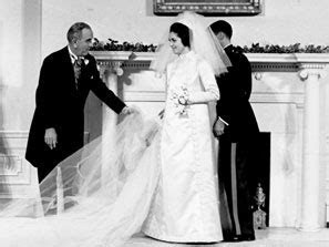 Lynda Bird Johnson marries in the White House, Dec. 9