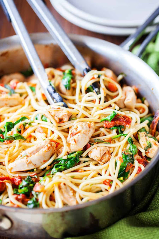 Tomato Spinach Chicken Spaghetti - I Am Homesteader