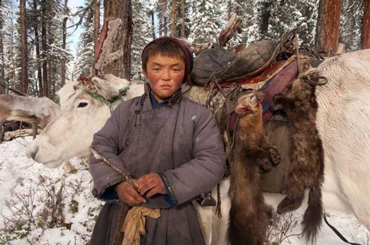 mongolia_reindeer_tribe_12