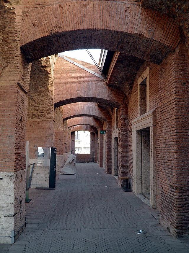 Inside Trajans Market, Museo dei Fori Imperiali, Rome (8070759878).jpg