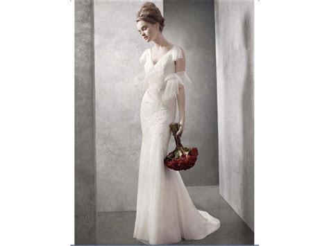 Vera Wang White $350 Size: 2   Used Wedding Dresses