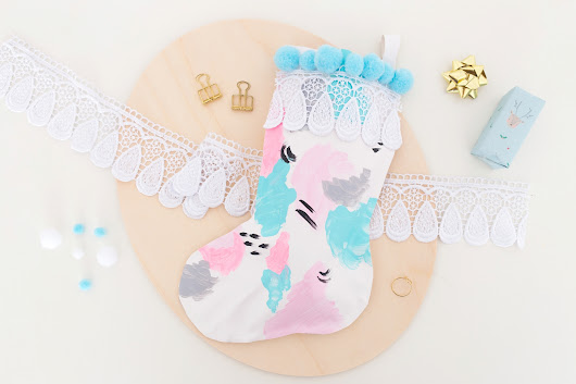 Get ready for Chistmas, DIY your own pastel stocking | One O DIY