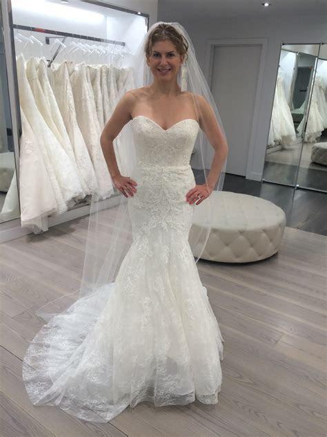 Please help me choose my wedding dress!