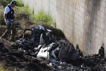 A aeronave caiu ao lado da Via Anhanguera, na altura do km 61, no trevo de acesso à cidade. Corpos foram carbonizados (VANESSA CARVALHO/BRAZIL PHOTO PRESS/ESTADÃO CONTEÚDO)