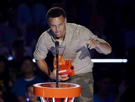 Curry and Colbert battle in sock-shooting contest for 'Stephen' Google SEO