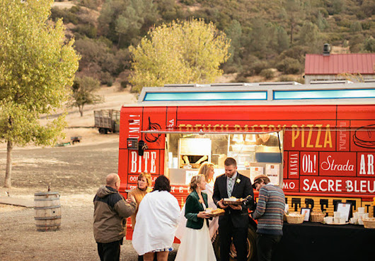 How to Cash in on the Food Truck Wedding