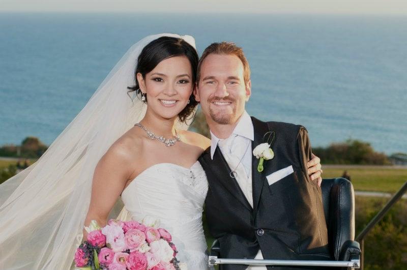 """Nick Vujicic fala sobre amor verdadeiro: """"Minha esposa não me vê como o 'Nick Sem Membros"""""""