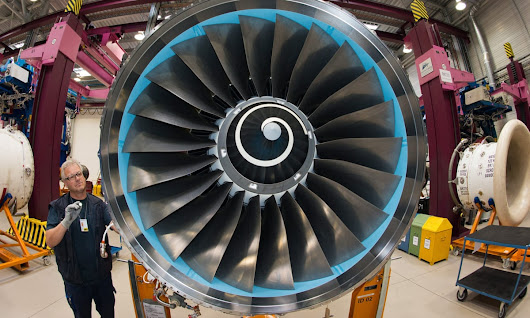 Rolls-Royce wins $2.7bn aircraft engine order from Norwegian | Business | The Guardian