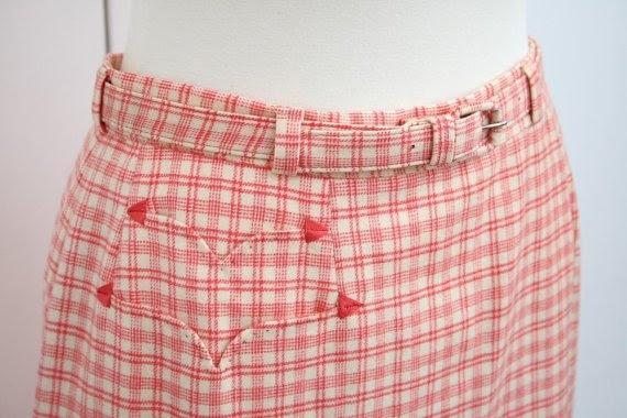 Loving the pocket detail on this vintage 60s Evan Picone skirt. Gorgeous.