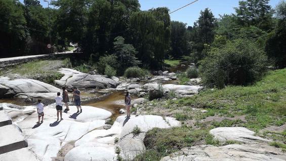 Opciones. El pueblito de montaña invita a pasar unas apacibles vacaciones o a conocerlo de paso, al recorrer la zona (LaVoz)