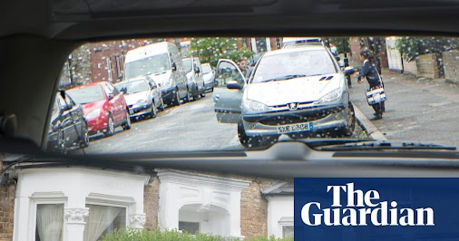 UK schools banning school run to protect pupils from air pollution Thousands of schools closing roads...