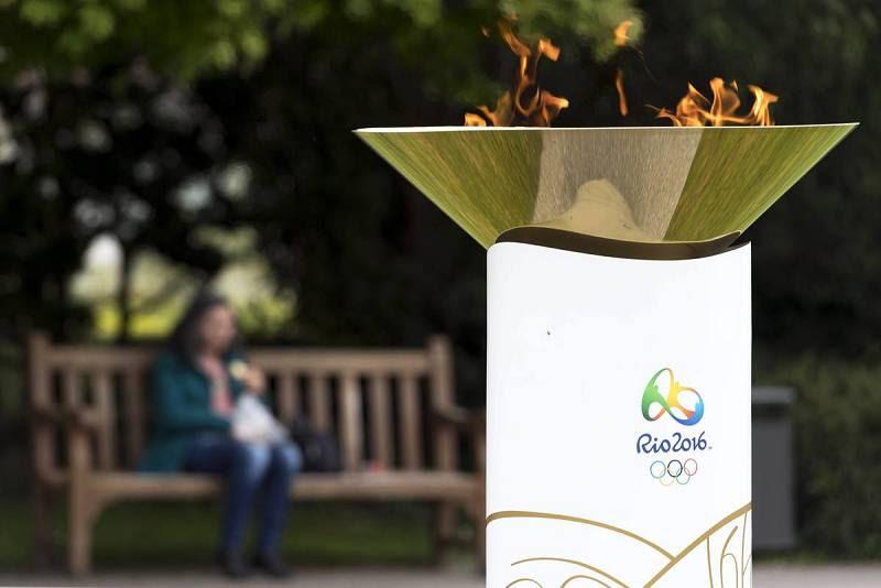 La llama olímpica ha estado visible para el público durante cuatro días antes de su viaje a Brasil.