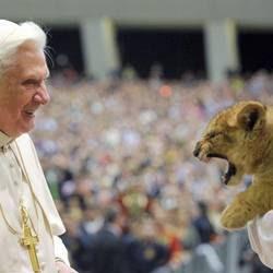 Il Papa e un cucciolo