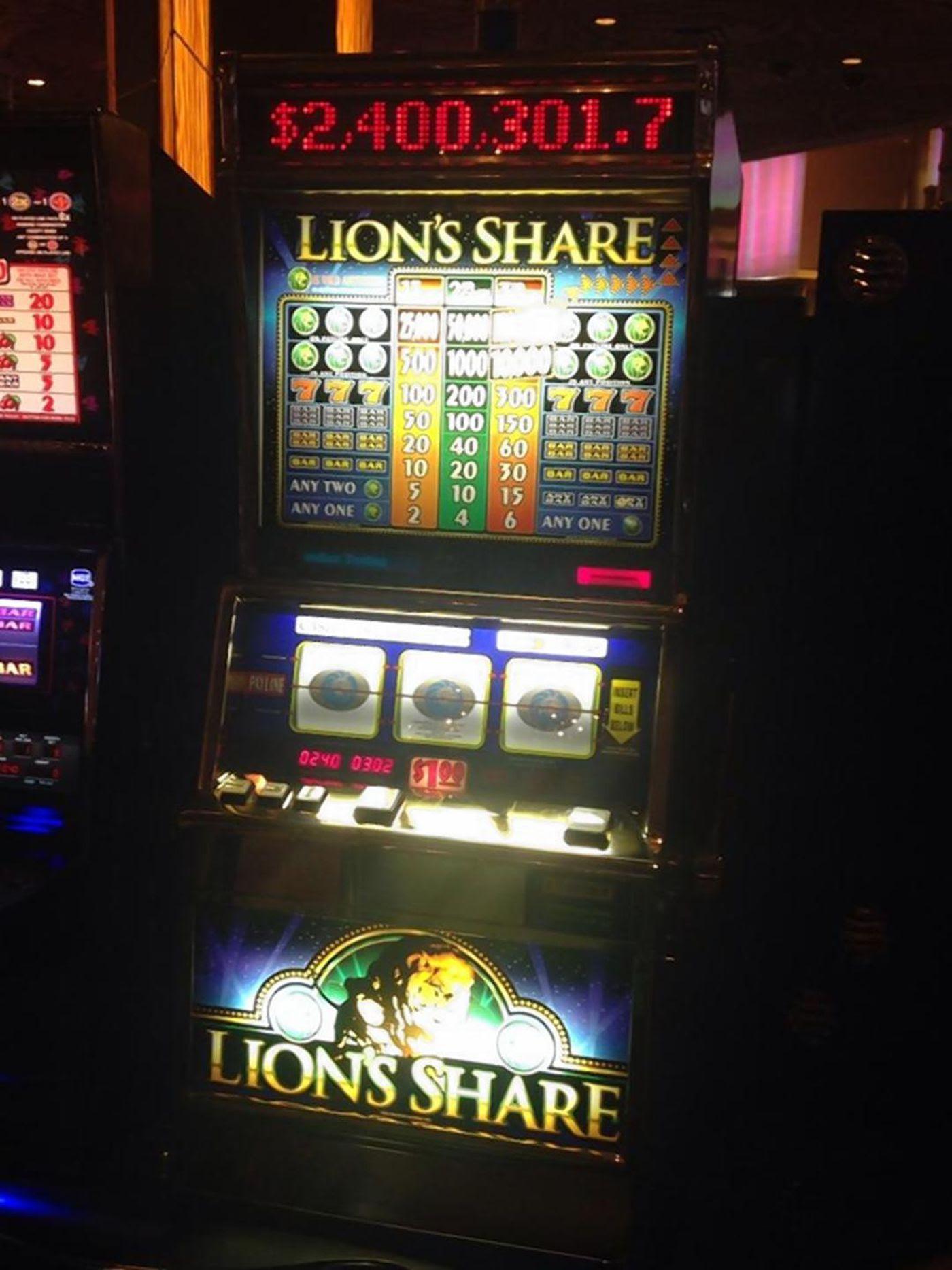 7/21/ · Visitor wins more than $, on slot machine at Las Vegas airport.by CODY MILLER, KSNV.Tuesday, July 21st (Photo: KSNV) LAS VEGAS (KSNV) – .