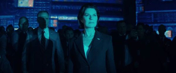 Sela Ward plays President Lanford in INDEPENDENCE DAY: RESURGENCE.