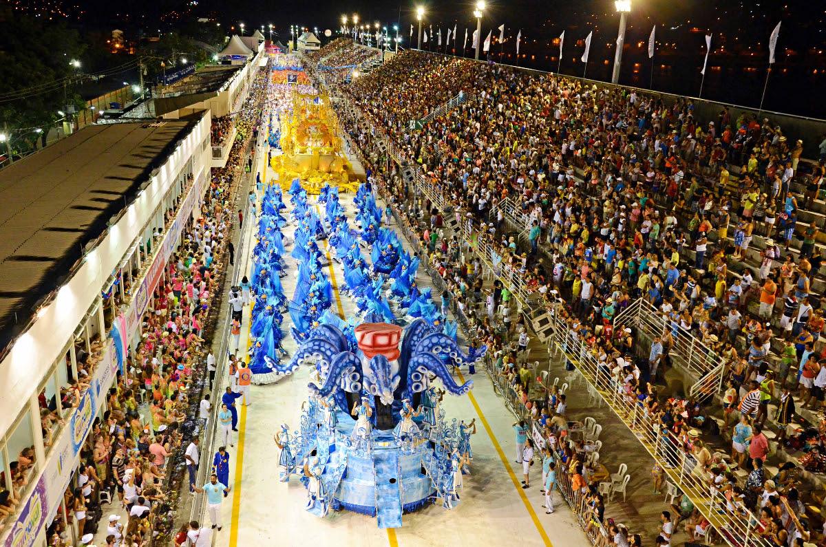 Resultado de imagem para carnaval de vitoria
