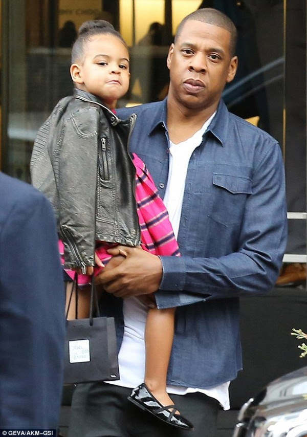 blue ivy bun and dad jay z