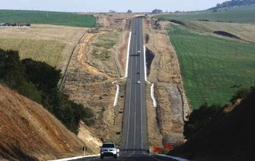 Candói - BR-277 entre o município e Guarapuava, está entre as melhores do Paraná