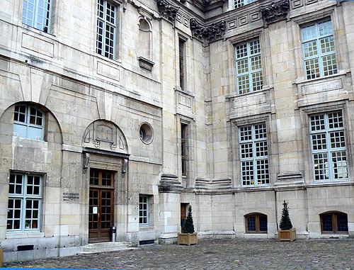 bibliothèque historique de Paris.jpg