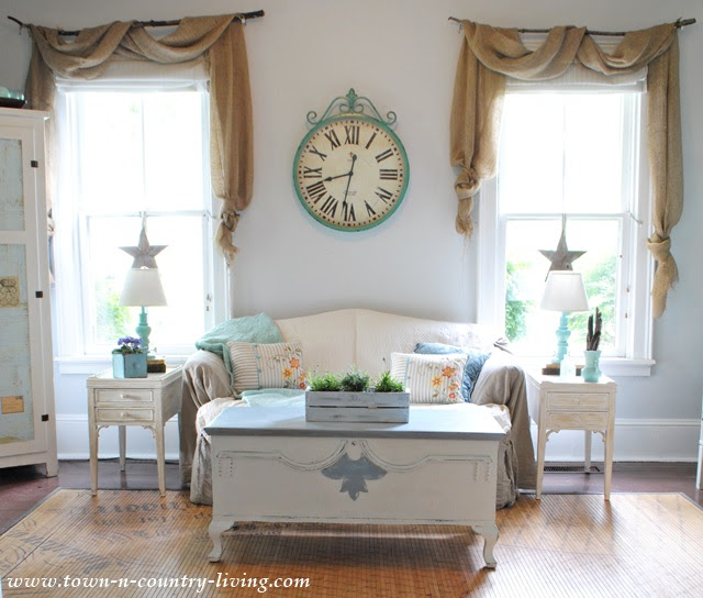 Large Wall Clock in Farmhouse Family Room