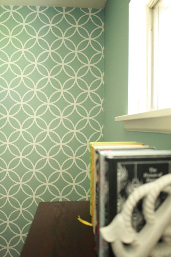Love the wall color here with our Endless Circles Stencil. Rosemary on the TV, stencil by @Melanie@ Royal Design Studio
