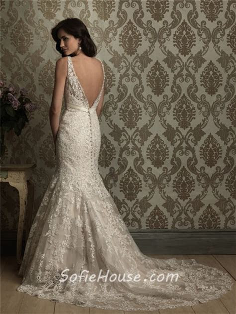 Sexy Mermaid V Neck Low Back Lace Wedding Dress With