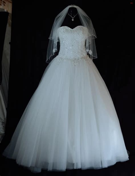 Wedding dresses Leicester   boutique wedding Gowns