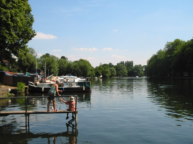 River Thames Datchet Darren