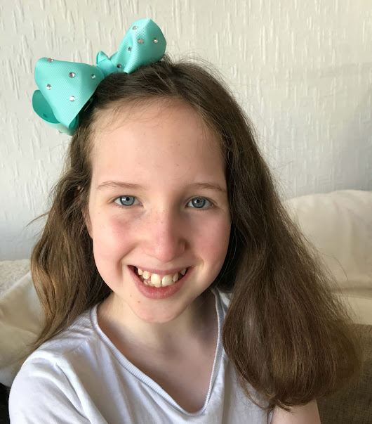 Review: JoJo Siwa Hair Brush Collection From Hair Secretz - Mother Distracted