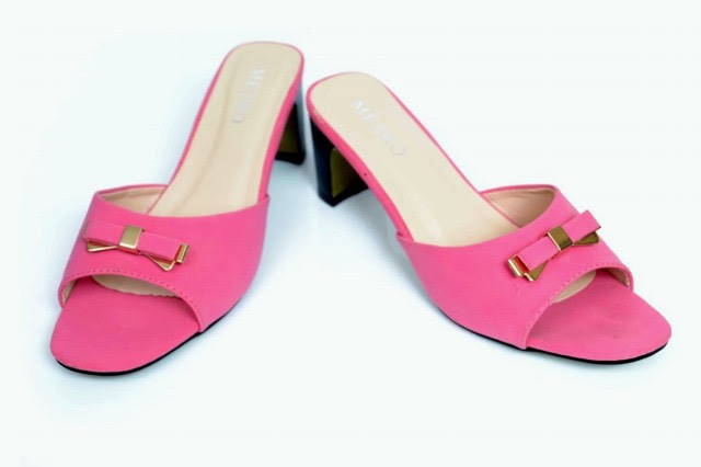 Girls-Womens-Beautiful-Casual-High-Shoes-Eid-Footwear-Collection-2013-by-Metro-Shoes-6