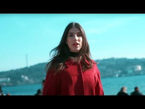 Brianna Lost İn İstanbul Lyrics