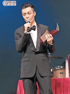 周柏豪在今屆「叱咤」頒獎禮上失落多個大獎,亦未能冧莊奪男歌手金獎。
